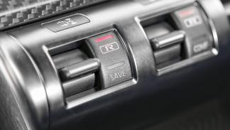 Nissan GT-R modos de conducción