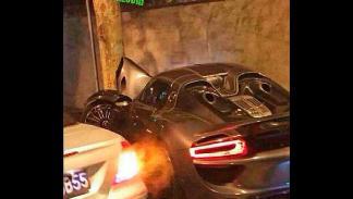 Accidente Porsche 918 Spyder árbol detalle