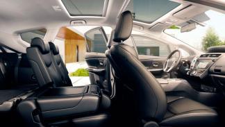 Toyota Pruis+ 2015 asientos
