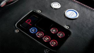 Land Rover Defender Ultimate RS detalle
