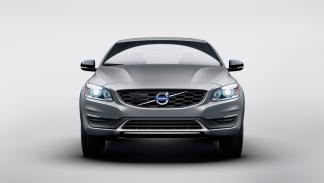 Volvo_S60_Cross_Country_2015-Parrilla