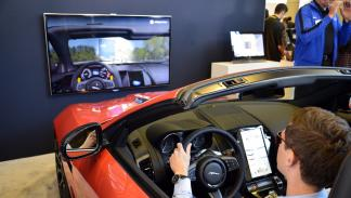Driver Monitor System (DMS) CES 2015 jaguar