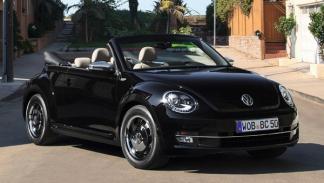 Volkswagen Beetle Cabrio negro