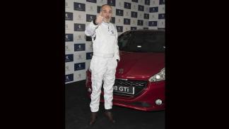 fernando guillén cuervo  presentación Peugeot 208 Gti 30th