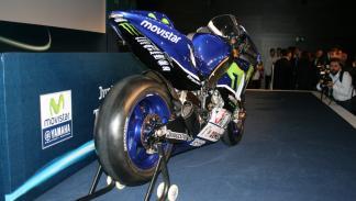 Yamaha-YZR-M1-2015-patrocinadores