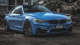 BMW M4 Yas Marina Blue frontal