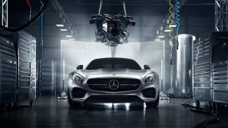 foto espectacular Mercedes AMG GT morro