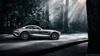 foto espectacular Mercedes AMG GT zaga