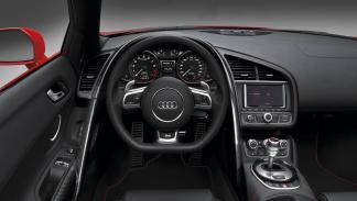 Audi R8 V10 Spyder - interior
