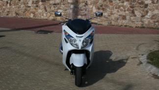 Suzuki-Burgman-400