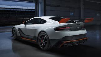 Aston Martin Vantage GT3 trasera