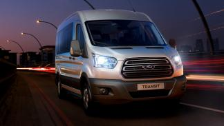 Ford Transit Combi delantera