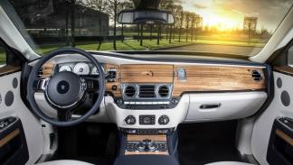 Rolls-Royce_Ghost_Mysore_Collection_interior