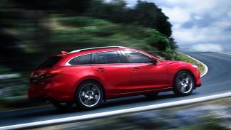 Nuevo_Mazda6_2015_trasera_familiar