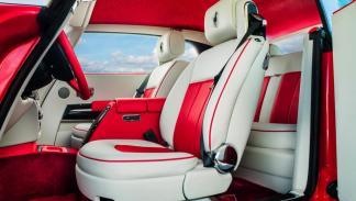 Rolls-Royce Phantom Coupé Al-Adiyat asientos