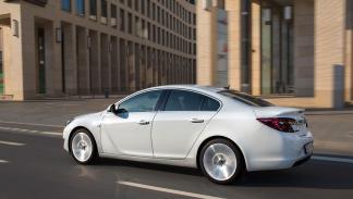 Opel Insignia 2.0 CDTI 170 lateral