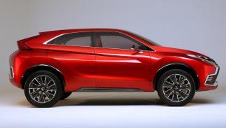 Mitsubishi_XR-PHEV_II_lateral