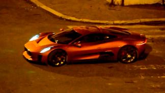 Jaguar C-X75 vs Aston Martin DB 10 - lateral