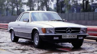 coches-raros-propias-marcas-mercedes-450-SLC