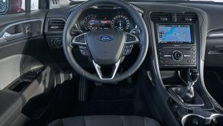 Ford Mondeo interior