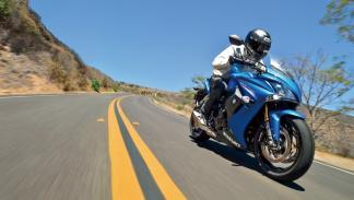 nueva-Suzuki-GSX-S1000F-carretera