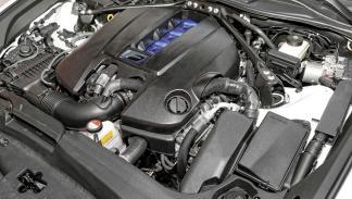 Lexus-RC-F-motor