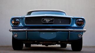 revology-mustang-replica-lateral