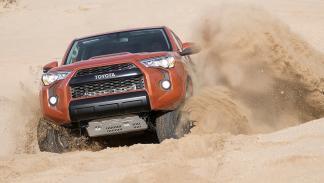 coches-no-querrias-ver-retrovisor-Toyota-4runner