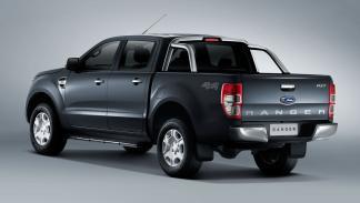 Ford Ranger 2015 trasera