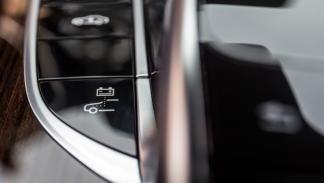 Mercedes C350e botón híbrido