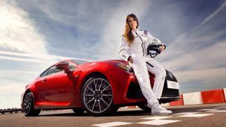 Adriana Ugarte y el Lexus RC F