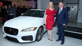 Fiesta en NY para Jaguar XF-Christina Hendricks