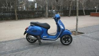 Vespa-GTS-300-ie-Sport-lateral