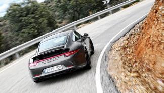 Porsche 911 4GTS trasera