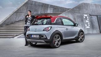 Opel Adam Rocks S trasera
