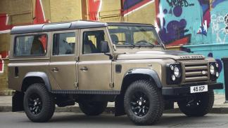 Land Rover Defender lateral