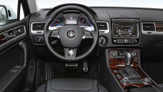 Volkswagen Touareg Hybrid interior