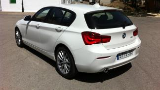 BMW 116 EfficientDynamics Edition 2015 trasera