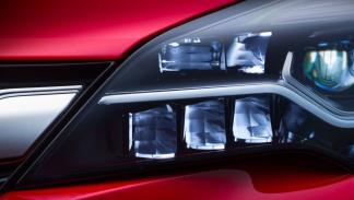 Sistema de iluminación IntelliLux de Opel