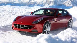 coches-adelantados-epoca-Jensen-FF-Ferrari-FF