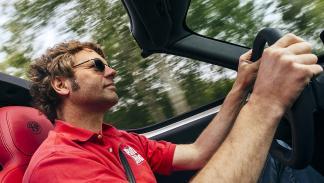 Prueba: Alfa Romeo 4C Spider lateral conductor