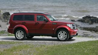 peroes-coches-consumer-reports-dodge-nitro-lateral