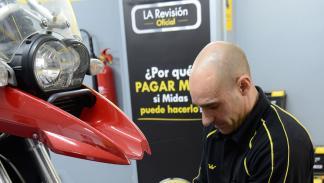 Córner de reparación de motos Midas