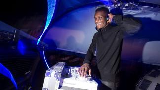 Con cabina DJ en la Nissan Part e-Van