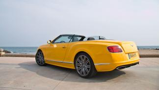 Bentley Continental GTC Speed 2015 yellow