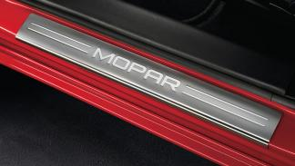 Dodge Charger Mopar placa