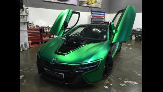 bmw-i8-vinilado-verde-mate-puertas