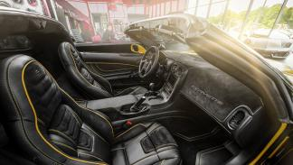 chevrolet-corvette-z06-carlex-design-interior