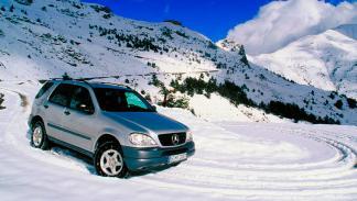 Mercedes ML delantera