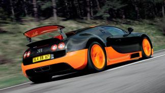 Bugatti Veyron trasera